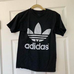 adidas Tops - Adidas top with logo mirrored on back